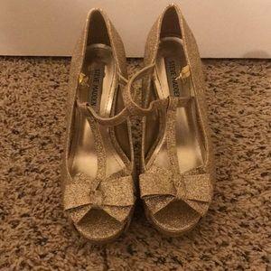 Steve madden gold glitter bow heels
